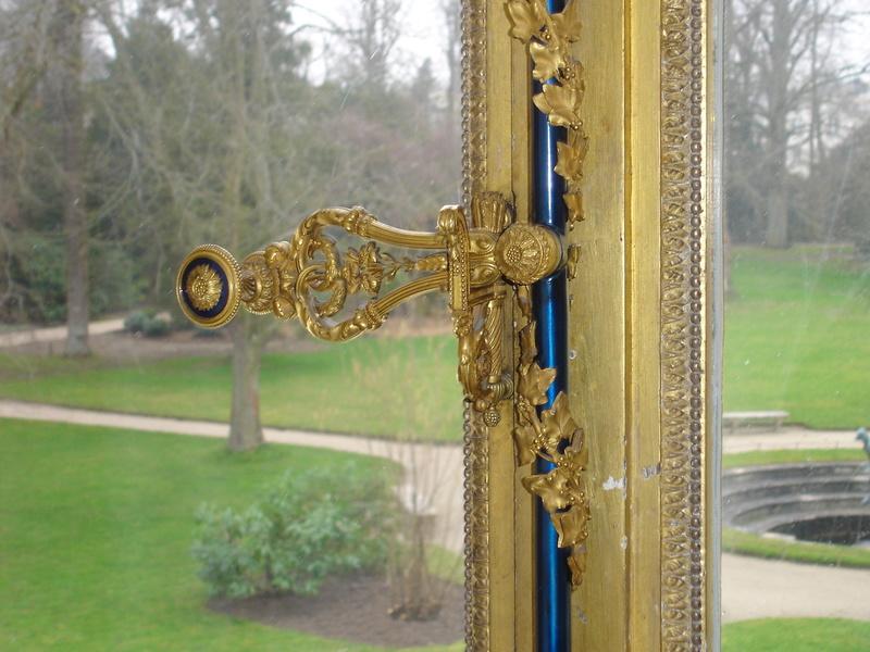 Le boudoir d'argent de Marie-Antoinette au château de Fontainebleau  Dsc03511