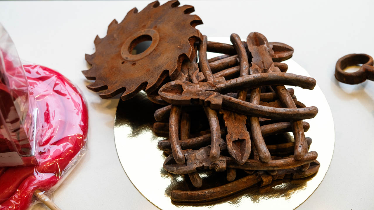tout, tout, tout sur les outils... les p'tits, les gros, et surtout ceux-ci qui ne serviront qu'une fois !!!! 25102011