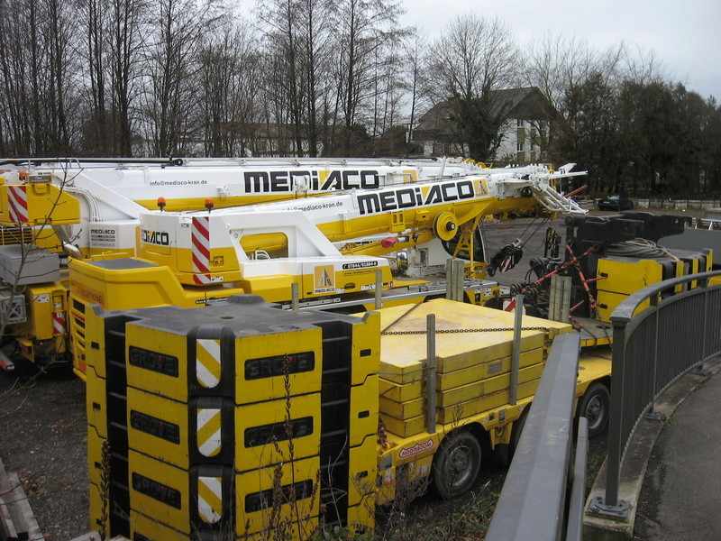 Les grues de MEDIACO (Groupe MEDIACO) (France) - Page 98 Img_1924