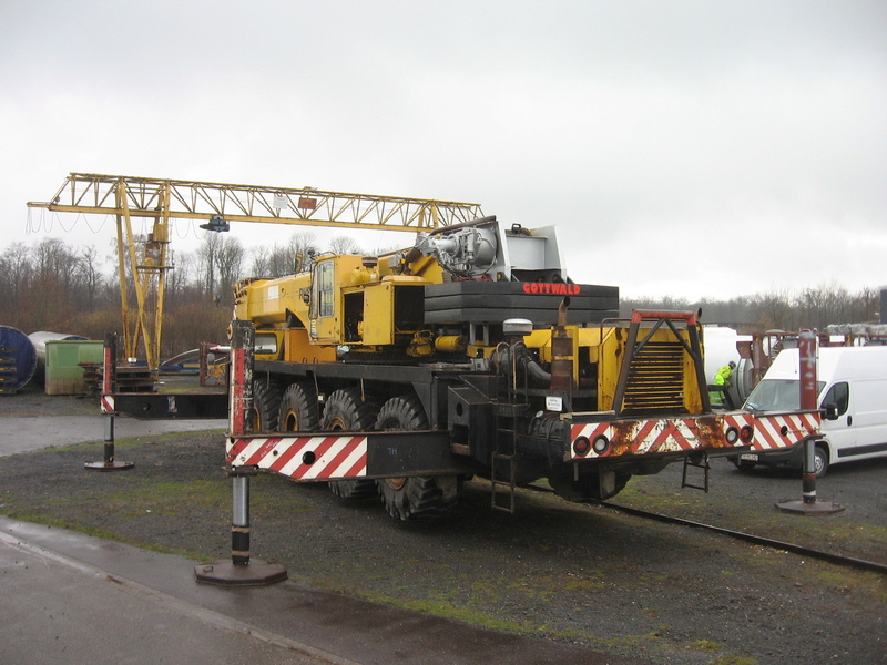 Les grues GOTTWALD - Page 4 Img_2315