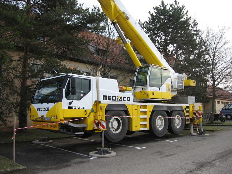 Les grues de MEDIACO (Groupe MEDIACO) (France) - Page 98 Img_2319