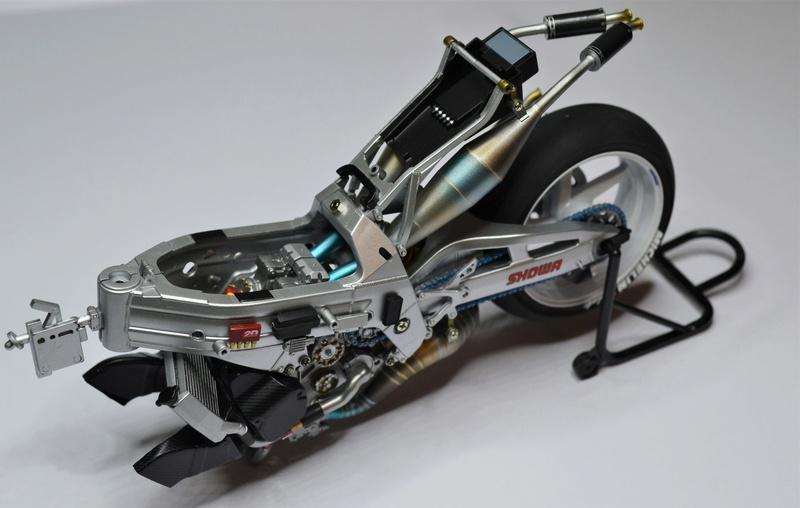 SUZUKI  RGT-T 500 (xr89) Kenny Roberts Jr. Dsc_0249
