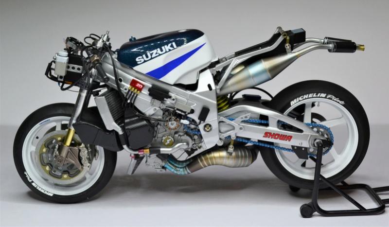 SUZUKI  RGT-T 500 (xr89) Kenny Roberts Jr. Dsc_0295