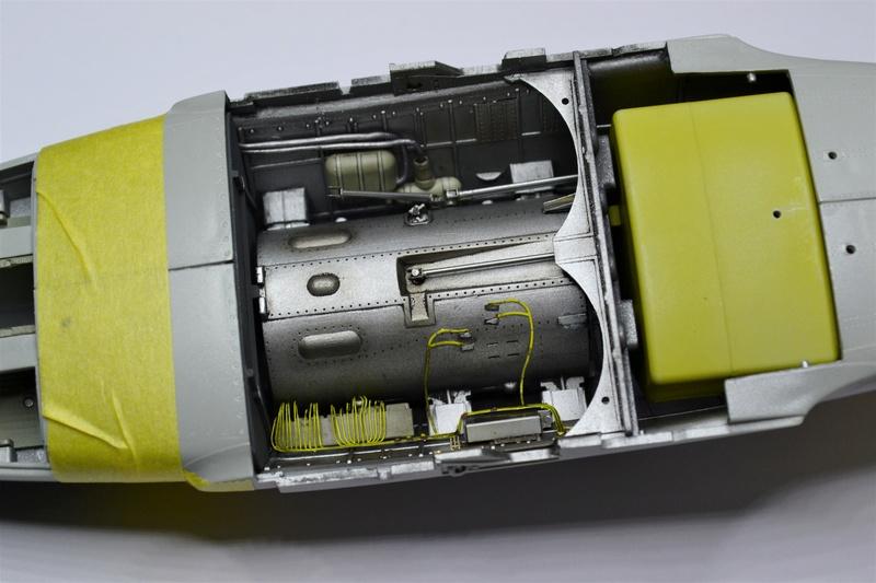 ME 262 A-1 TRUMPETER 1/32 - Page 3 Dsc_0345