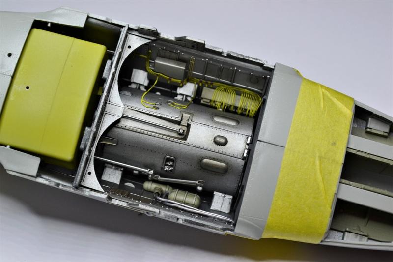 ME 262 A-1 TRUMPETER 1/32 - Page 3 Dsc_0346