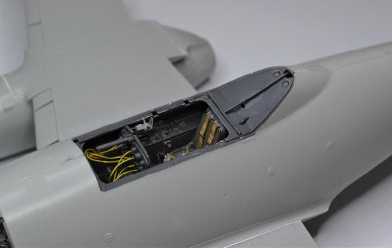 ME 262 A-1 TRUMPETER 1/32 - Page 3 Dsc_0350