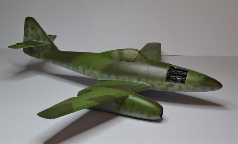 ME 262 A-1 TRUMPETER 1/32 - Page 3 Dsc_0358