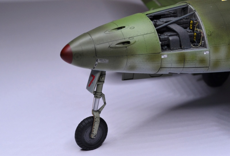 ME 262 A-1 TRUMPETER 1/32 - Page 5 Dsc_0381