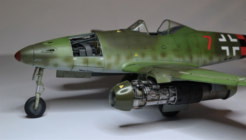 ME 262 A-1 TRUMPETER 1/32 - Page 5 Dsc_0385