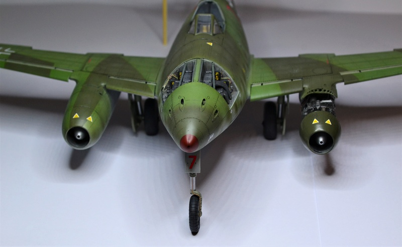 ME 262 A-1 TRUMPETER 1/32 - Page 5 Dsc_0386