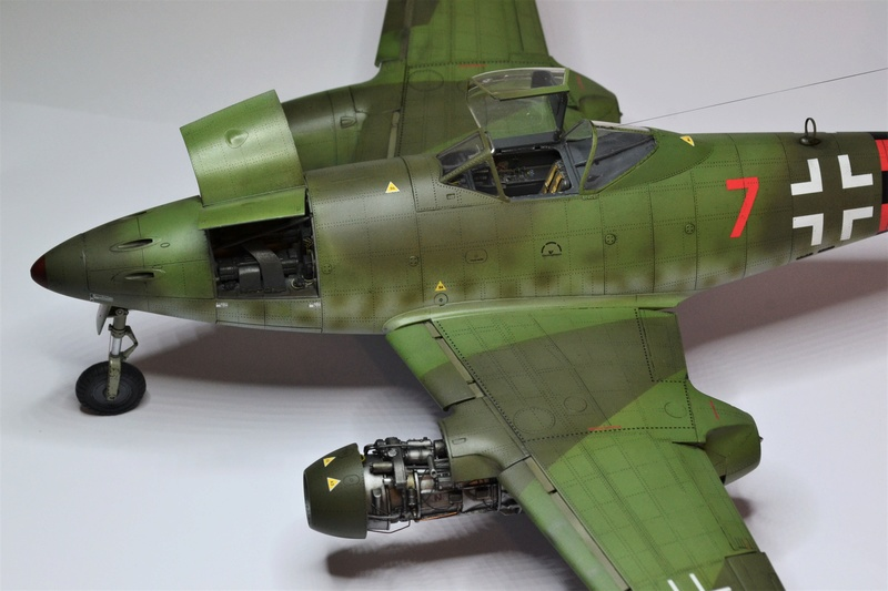 ME 262 A-1 TRUMPETER 1/32 - Page 5 Dsc_0388