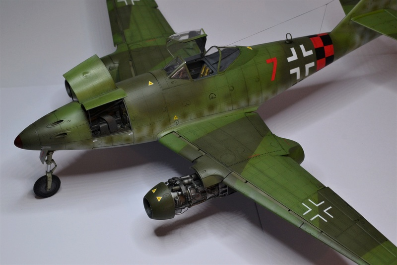 ME 262 A-1 TRUMPETER 1/32 - Page 5 Dsc_0390