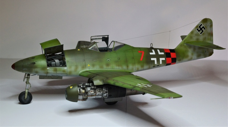 ME 262 A-1 TRUMPETER 1/32 - Page 5 Dsc_0393