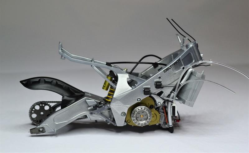 Yamaha yzr 500 1/12 Hasegawa Dsc_0419