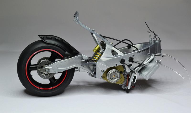 Yamaha yzr 500 1/12 Hasegawa Dsc_0421