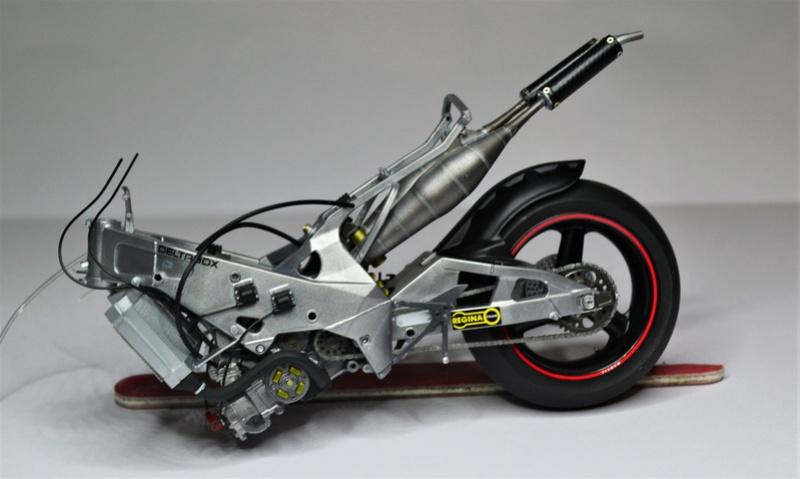 Yamaha yzr 500 1/12 Hasegawa Dsc_0429