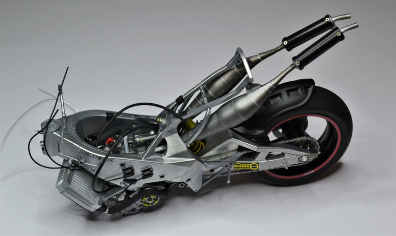 Yamaha yzr 500 1/12 Hasegawa Dsc_0430