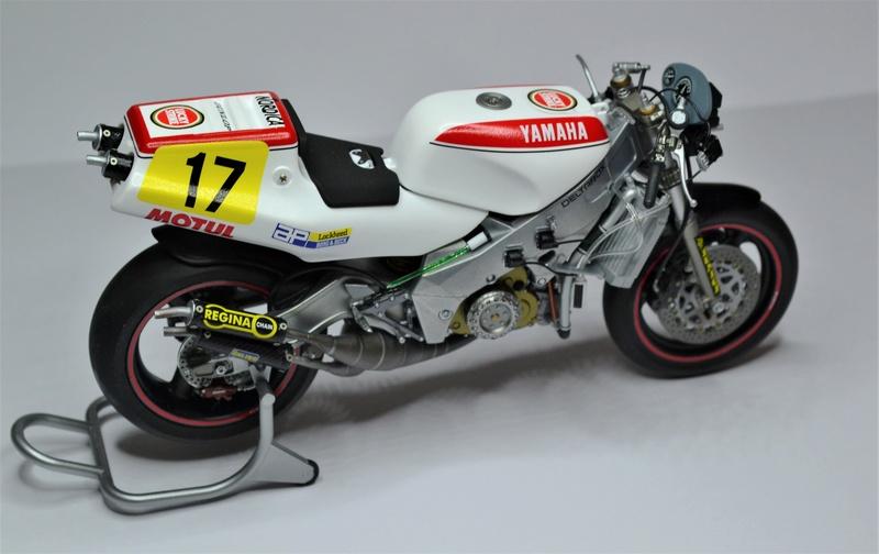 Yamaha yzr 500 1/12 Hasegawa - Page 2 Dsc_0455