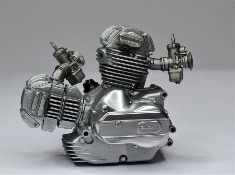 Ducati 900 replica Mike Hailwood 1/12 Dsc_0464
