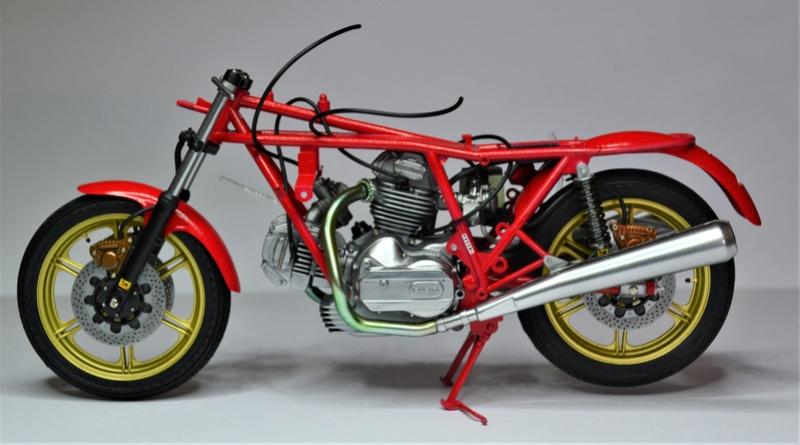 Ducati 900 replica Mike Hailwood 1/12 Dsc_0477
