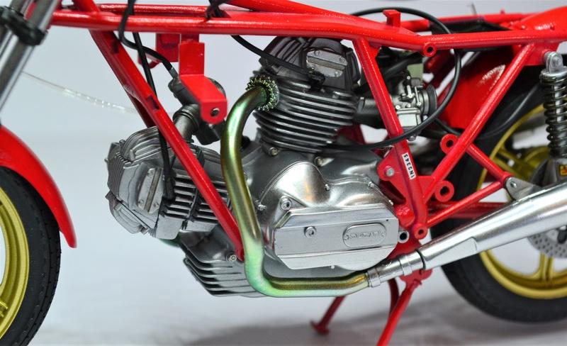 Ducati 900 replica Mike Hailwood 1/12 Dsc_0478