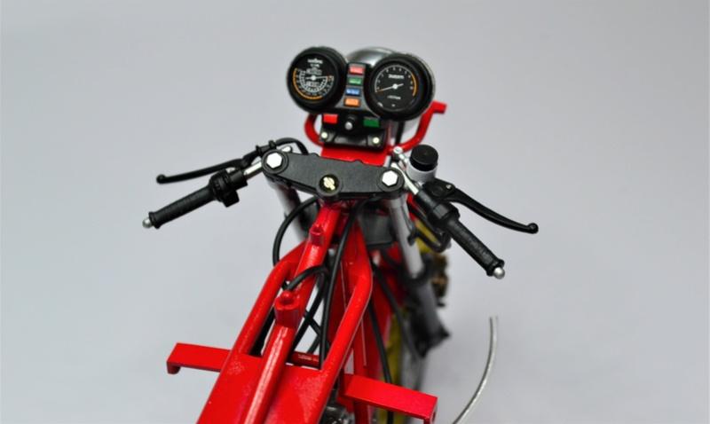 Ducati 900 replica Mike Hailwood 1/12 Dsc_0487