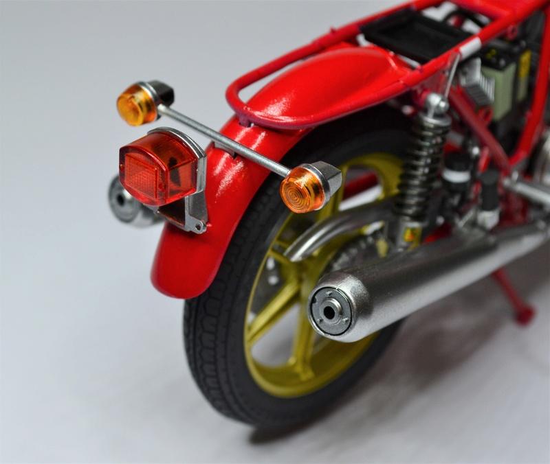 Ducati 900 replica Mike Hailwood 1/12 Dsc_0488