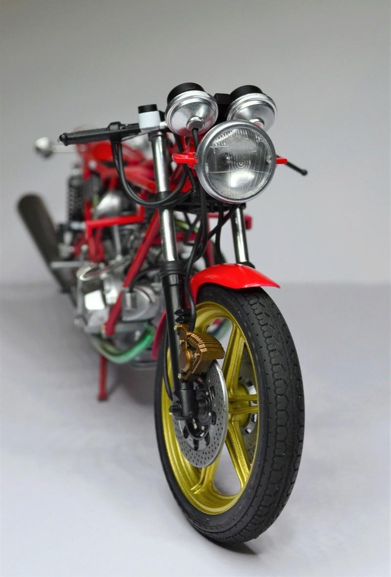 Ducati 900 replica Mike Hailwood 1/12 Dsc_0489