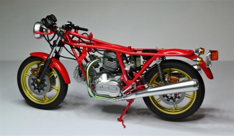 Ducati 900 replica Mike Hailwood 1/12 Dsc_0490