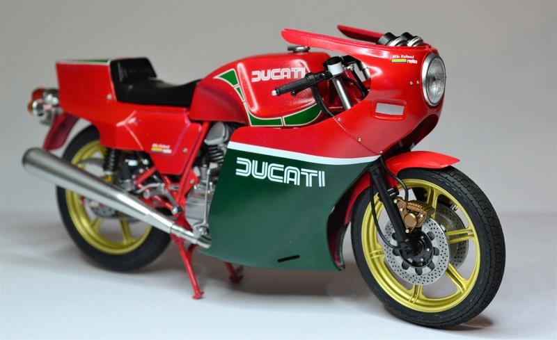 Ducati 900 replica Mike Hailwood 1/12 Dsc_0495