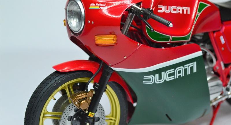 Ducati 900 replica Mike Hailwood 1/12 Dsc_0508