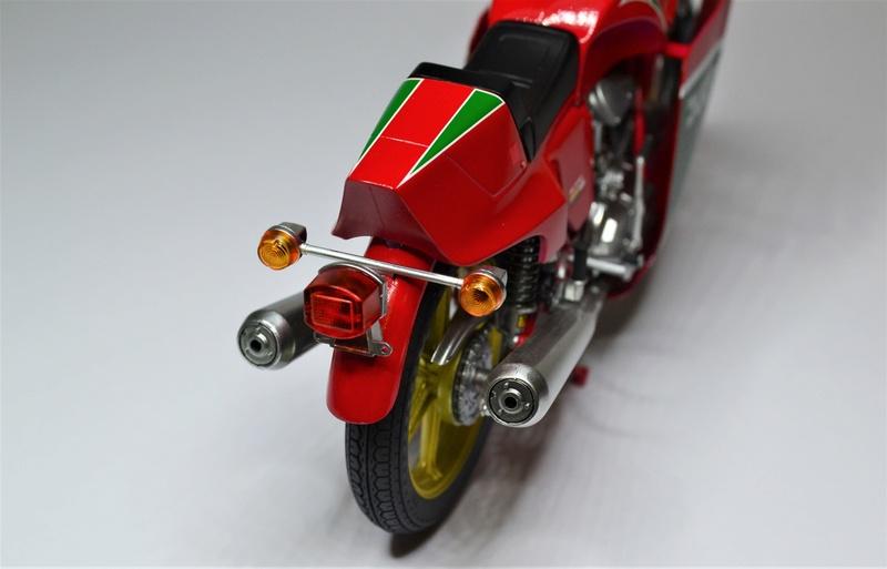Ducati 900 replica Mike Hailwood 1/12 Dsc_0510