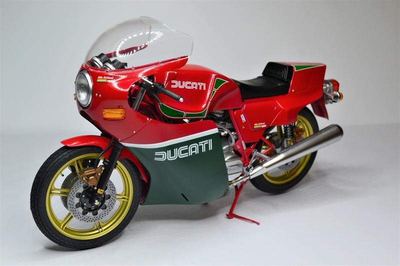 Ducati 900 replica Mike Hailwood 1/12 Dsc_0512