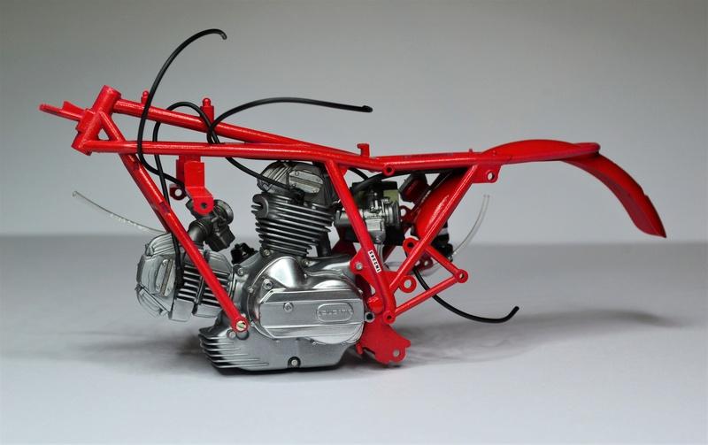 Ducati 900 replica Mike Hailwood 1/12 E11