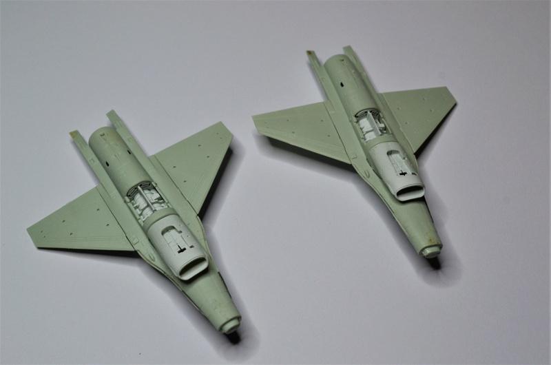 Duo de F16 MLU 1/144 Revell. Hrthhh11