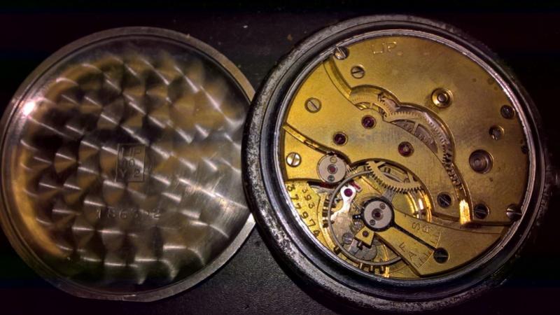 Un post qui référence les montres de brocante... tome IV - Page 18 Wp_20138