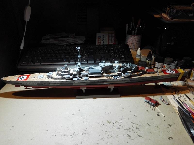 German Heavy Cruiser Admiral Hipper a 1/350 de Trumpeter Img_2012