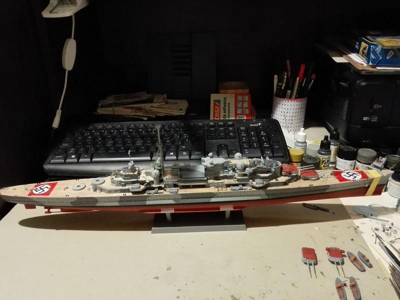 German Heavy Cruiser Admiral Hipper a 1/350 de Trumpeter Img_2013