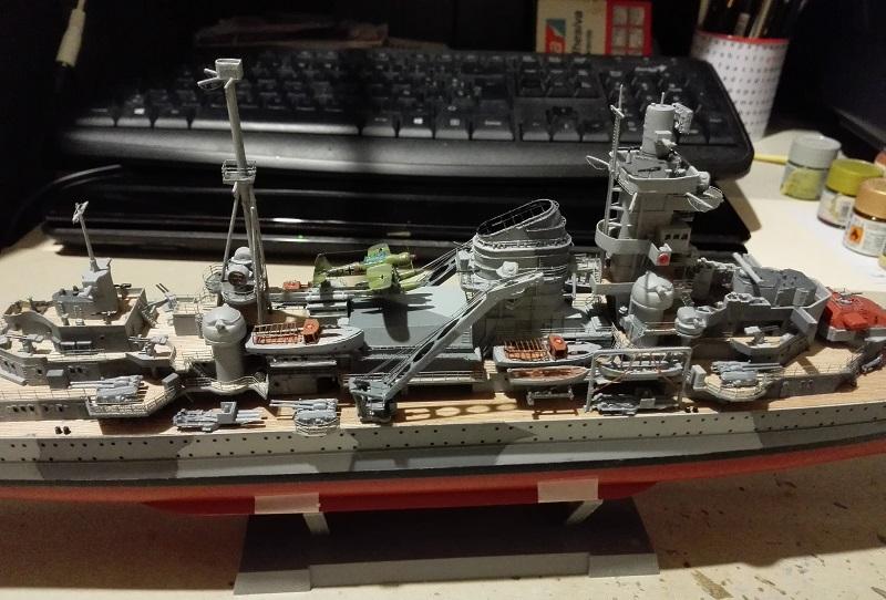 German Heavy Cruiser Admiral Hipper a 1/350 de Trumpeter Img_2023