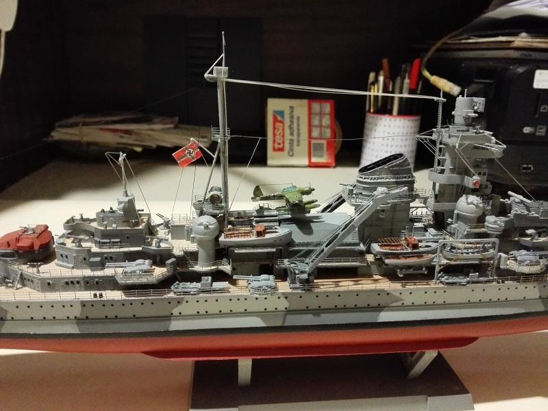 German Heavy Cruiser Admiral Hipper a 1/350 de Trumpeter Img_2026
