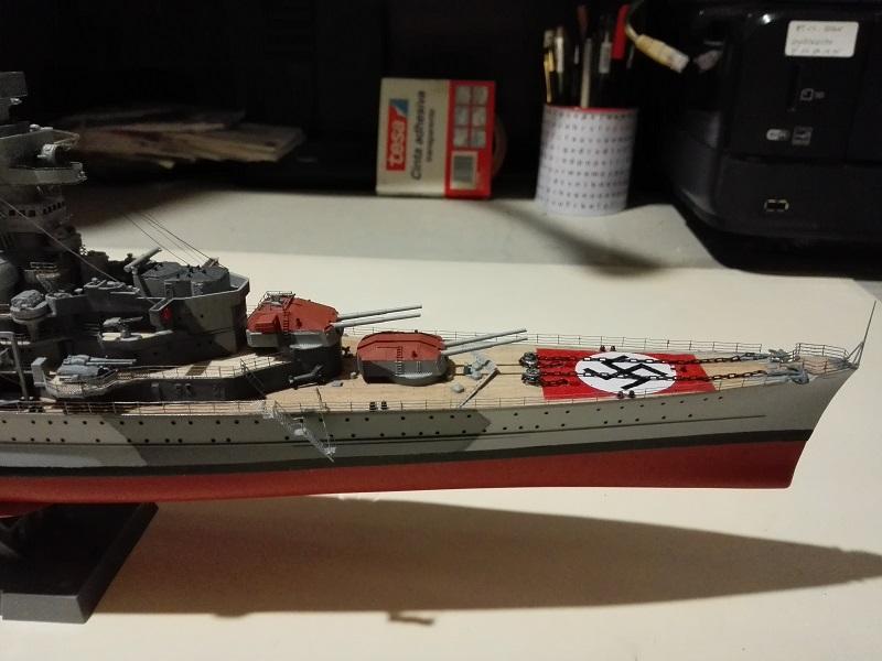 German Heavy Cruiser Admiral Hipper a 1/350 de Trumpeter Img_2028