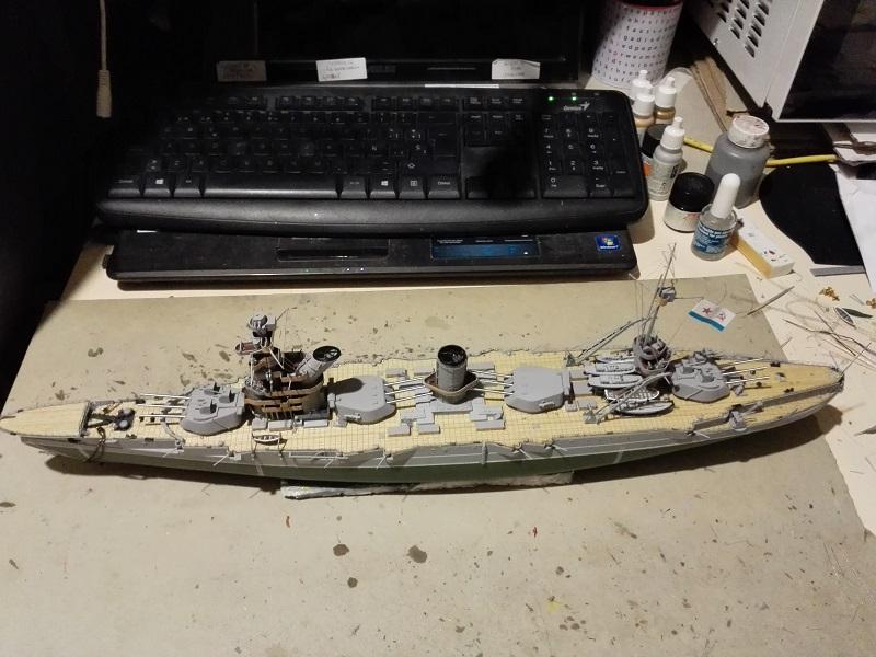 Soviet Battleship Marat a 1/350 de Zvezda Img_2115