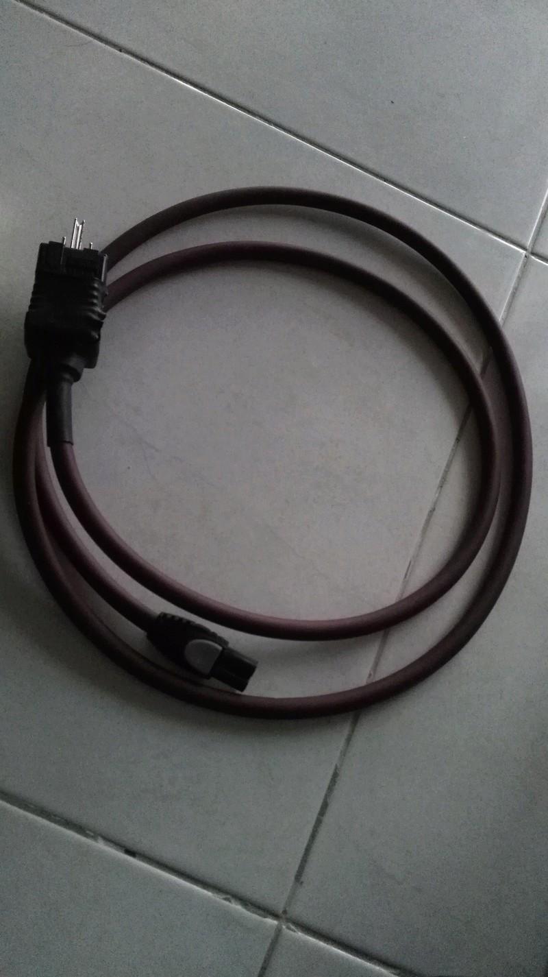 Furutech G-320ag-18f18 power cord (SOLD)  Img_2010