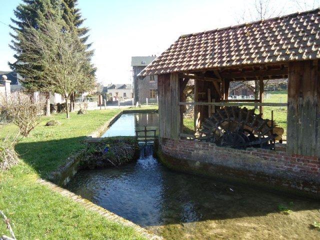 La séance en passant par la source de l'Aubette et le château du Val aux Daims 03-sou10