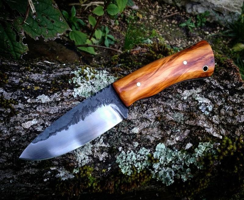Le Taillefer®, un couteau d'archer. Olivie10