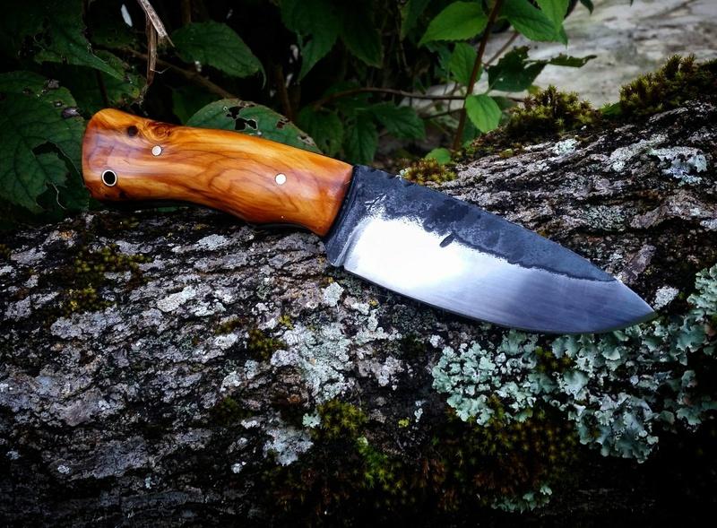Le Taillefer®, un couteau d'archer. Olivie11