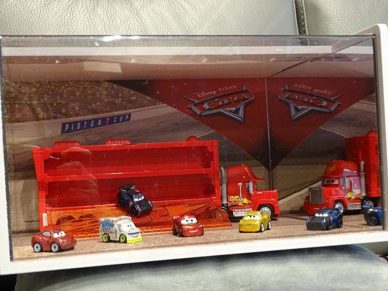 """Mini Racers Diecast : """" Le côté Miniature de la Force """" - Page 6 Dsc01111"""