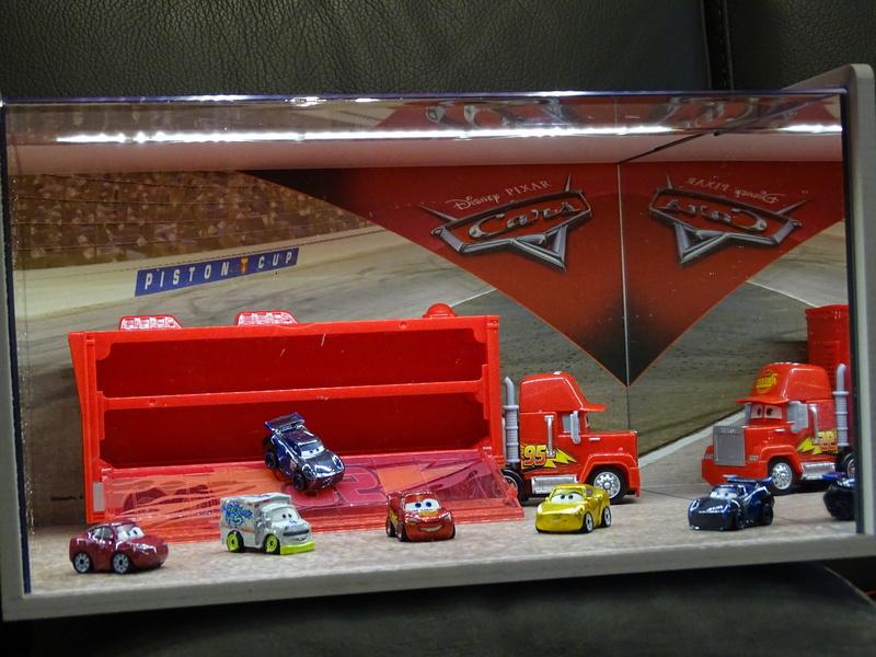 """Mini Racers Diecast : """" Le côté Miniature de la Force """" - Page 6 Dsc01113"""