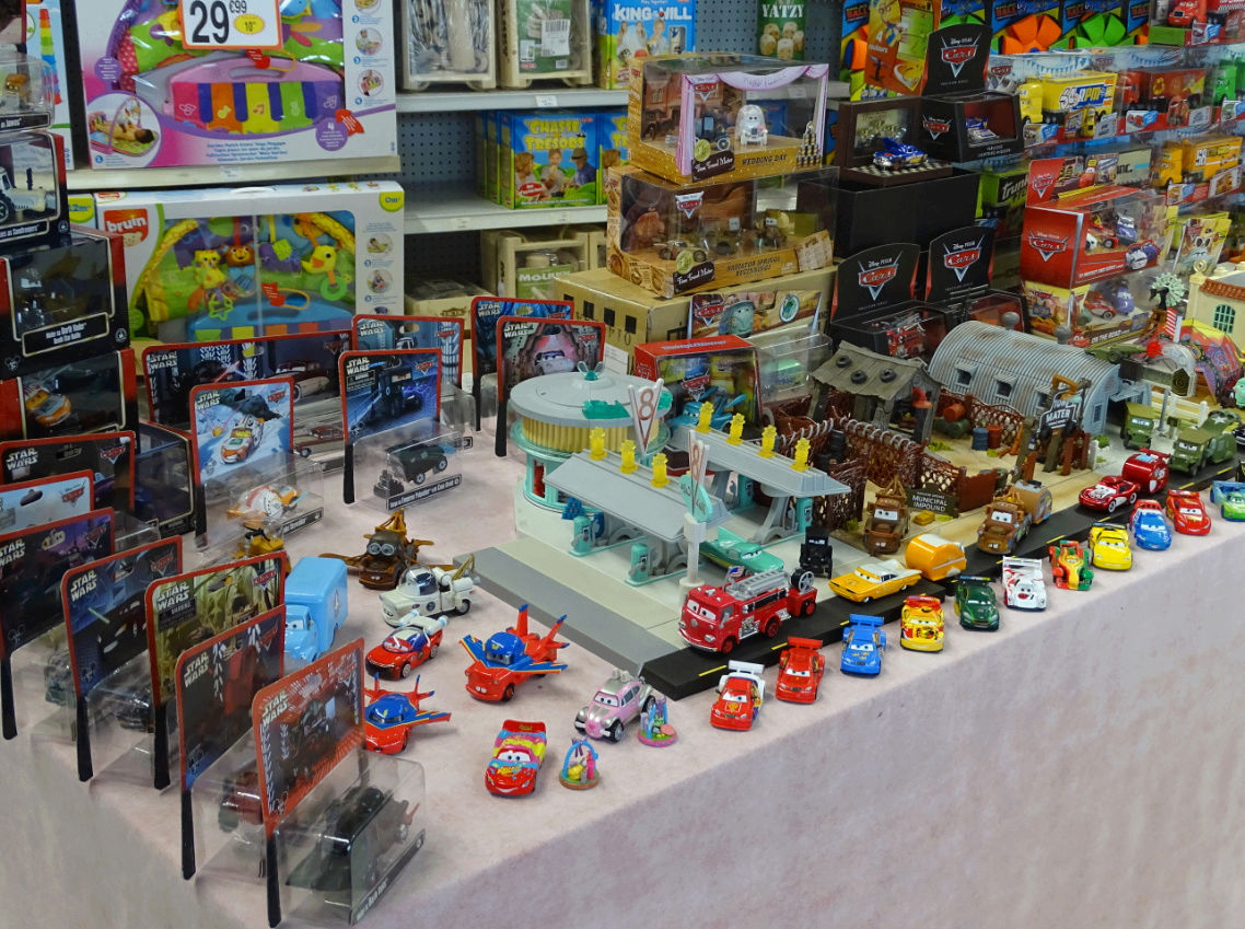 Exposition Cars Toys R Us Ph1111