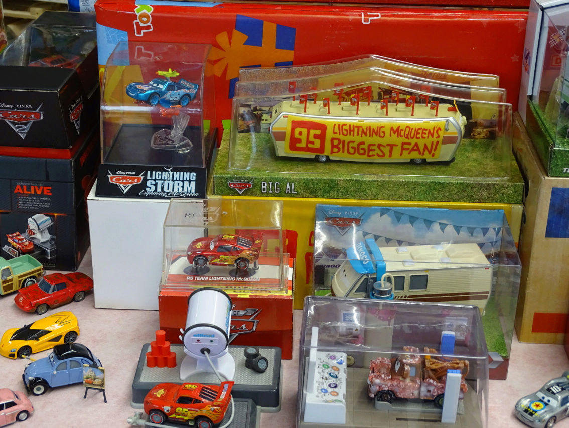 Exposition Cars Toys R Us Ph1610